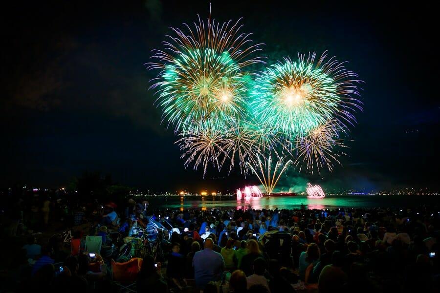 бесплатные мероприятия на BC Day Long Weekend 2016 .праздник света уолт дисней фейерверк Ванкувер