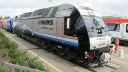 """""""Укрзализныця"""" подписала меморандум с Bombardier о совместном производстве локомотивов"""