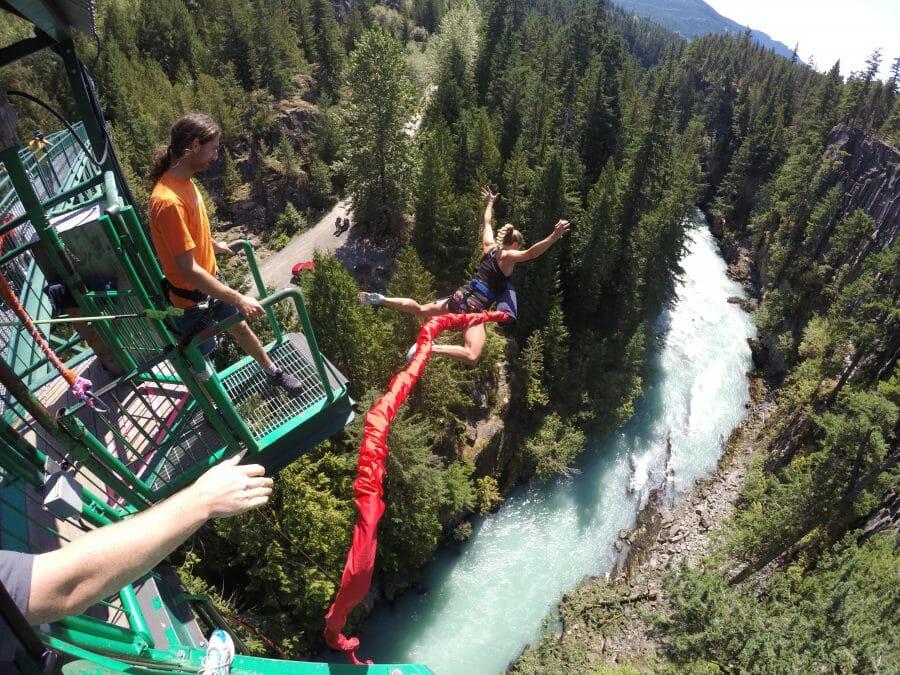 Лучшие места для банджи-джампинга в Канаде