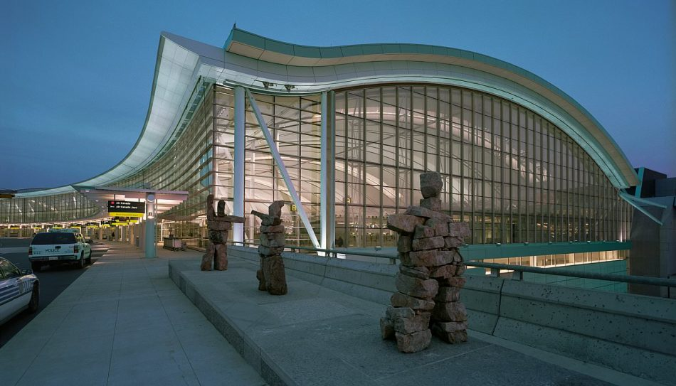 Аэропорт Торонто, Канада, Наш Ванкувер