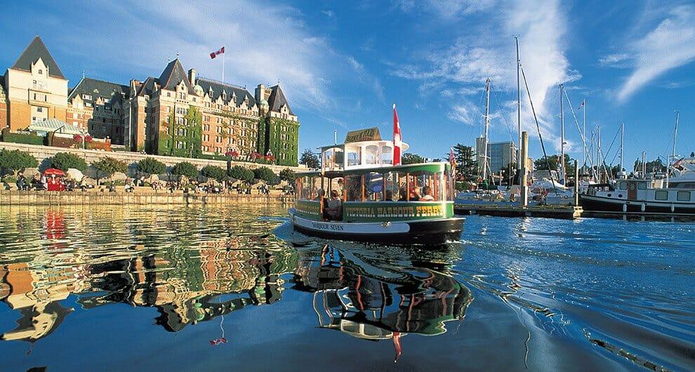 Виктория, экскурсии, Peakes Wharf Boat Tours. Вы также можете отправиться в парусное путешествие с Saga Sailing Adventures. Или побалуйте себя lobster excursion с Top Notch Charters. Масса вариантов в прекрасном канадском городе