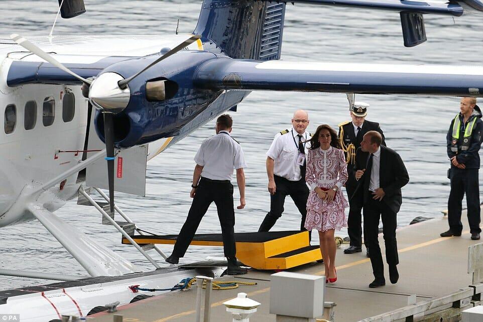 Кейт Миддлтон и принц Уильям прилетели в Ванкувер, визит королевской четы