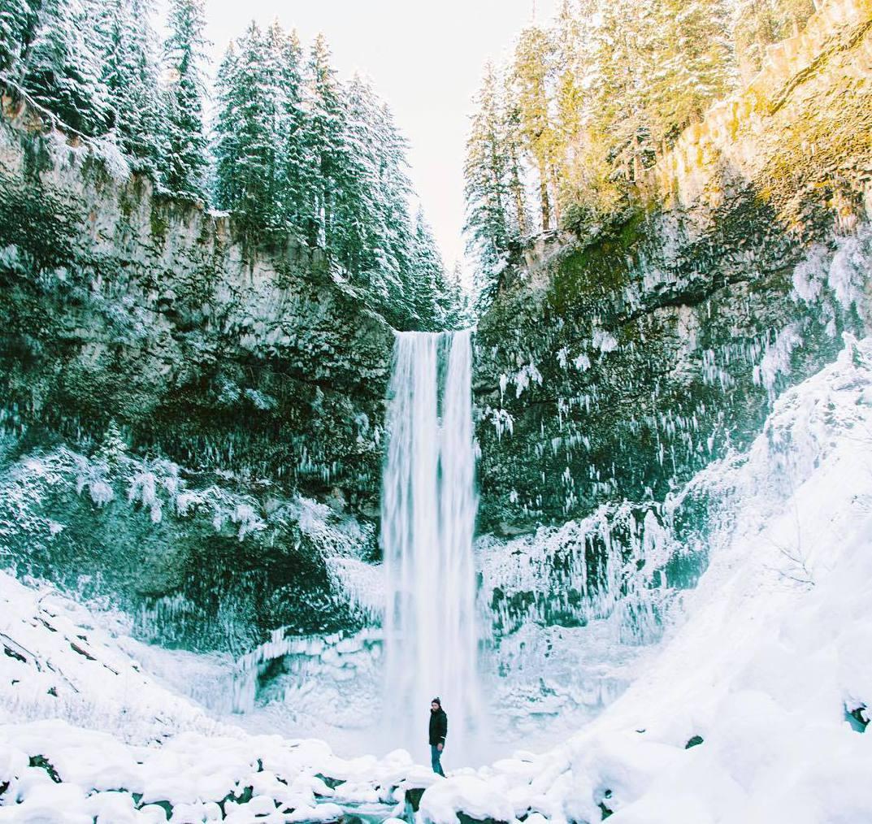 Водопады Канады, водопады Британской Колумбии, водопады зимой