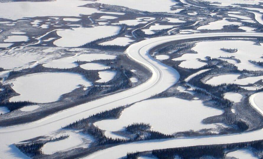 ледяная дорога, река Маккензи, самые красивые дороги мира