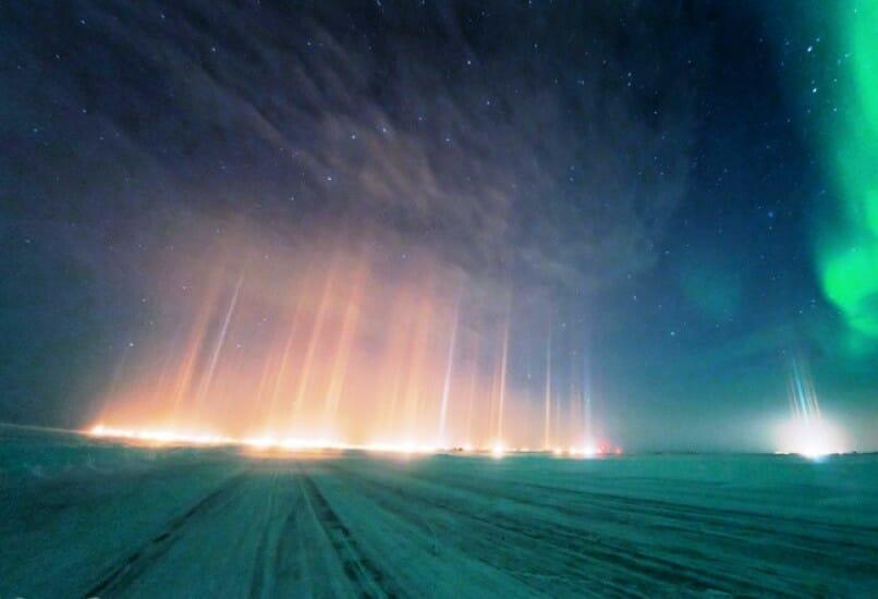 Ice Road to Tuktoyaktuk, северное сияние Канада