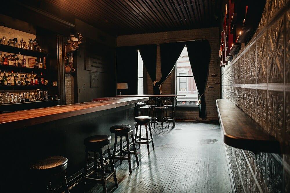 The Diamond бар, бар Ванкувер, подземные бары Ванкувера