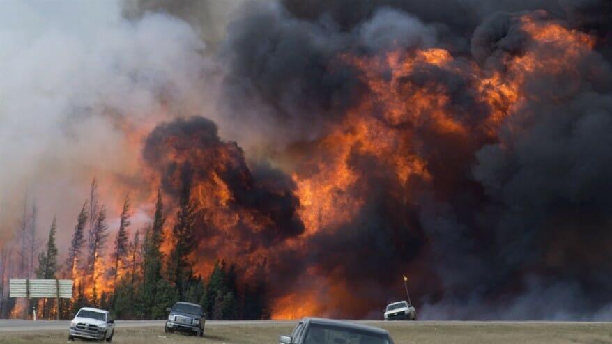 пожар Форт Мак-Мюррей, огромный пожар в Канаде