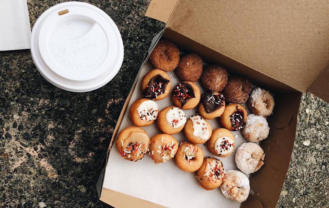 mini donuts Ванкувер, необычная еда, еда в Ванкувере