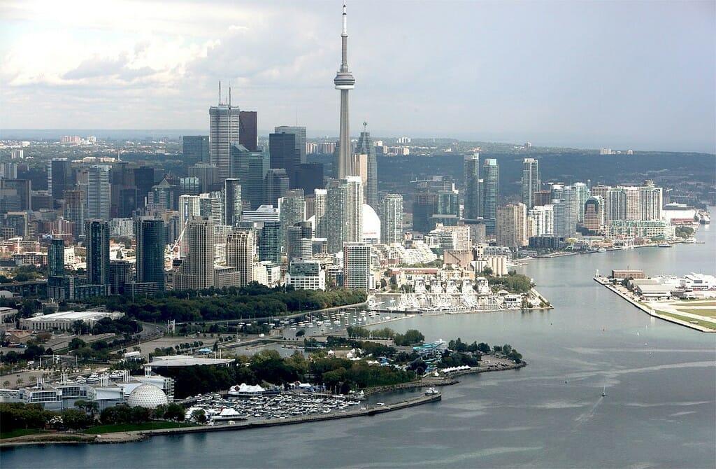 10 самых дорогих городов Канады - Торонто