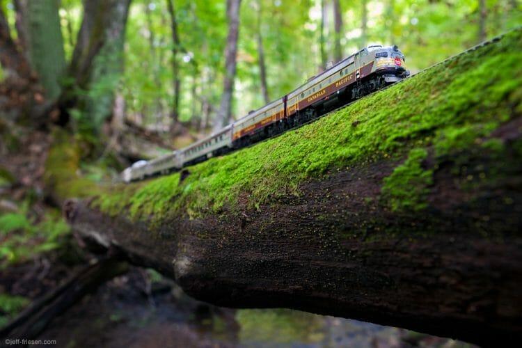 канадец поезд-призрак