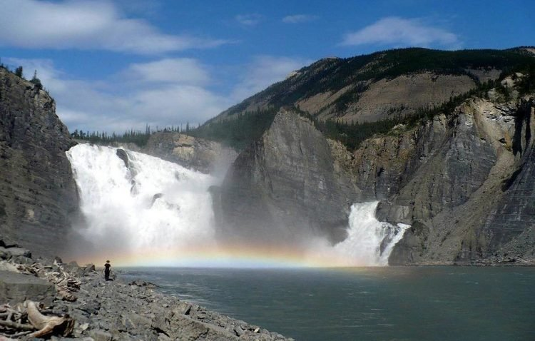 водопады канады