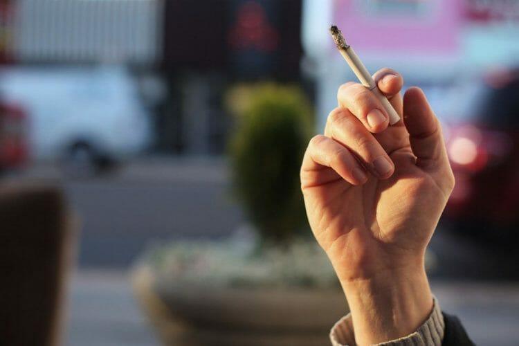 курение в Канаде, что нужно знать до переезда в Канаду