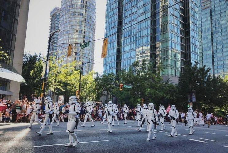 парад в Ванкувере