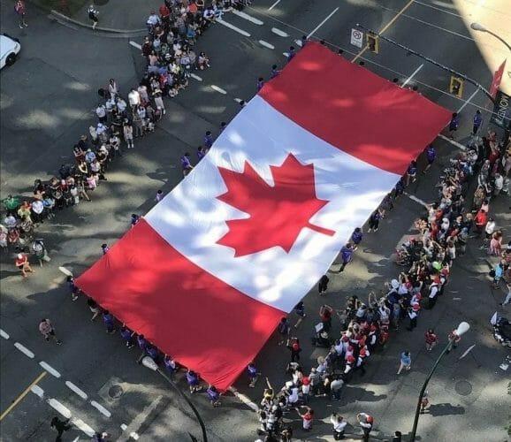 парад к 150 летию в Ванкувере