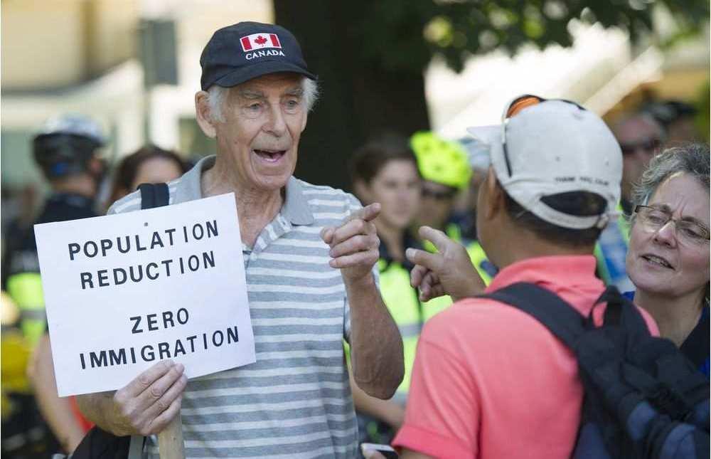 митинг в Ванкувер против иммиграции