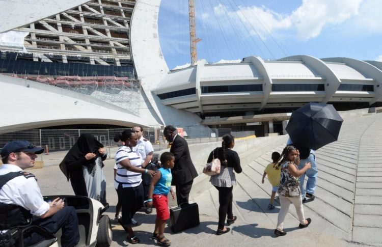 стадион стал приютом для беженцев