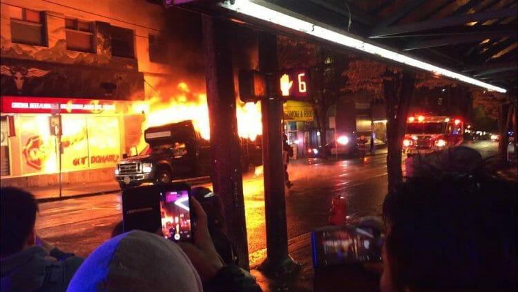 загорелся party bus