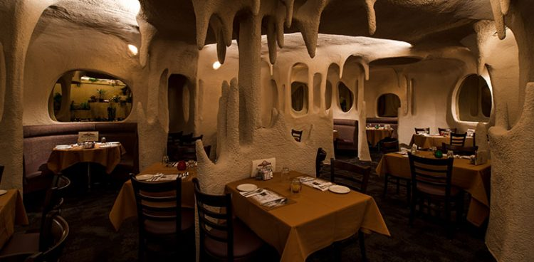ресторан cave в Канаде
