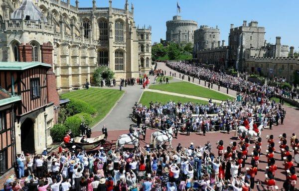 королевский кортеж принц Гарри и Меган