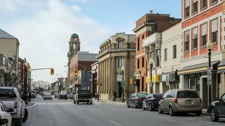 канадские города для недвижимости