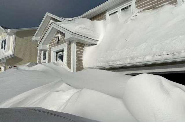 снег крыша
