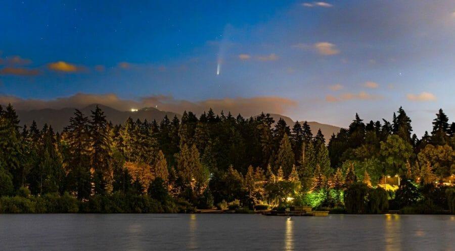 комета в канаде