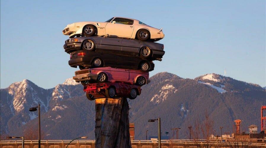 скульптура из машин
