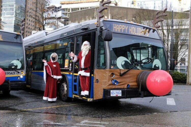 транспорт украшен рождество