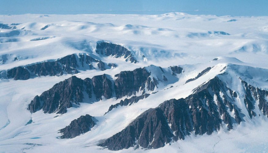 горы канада