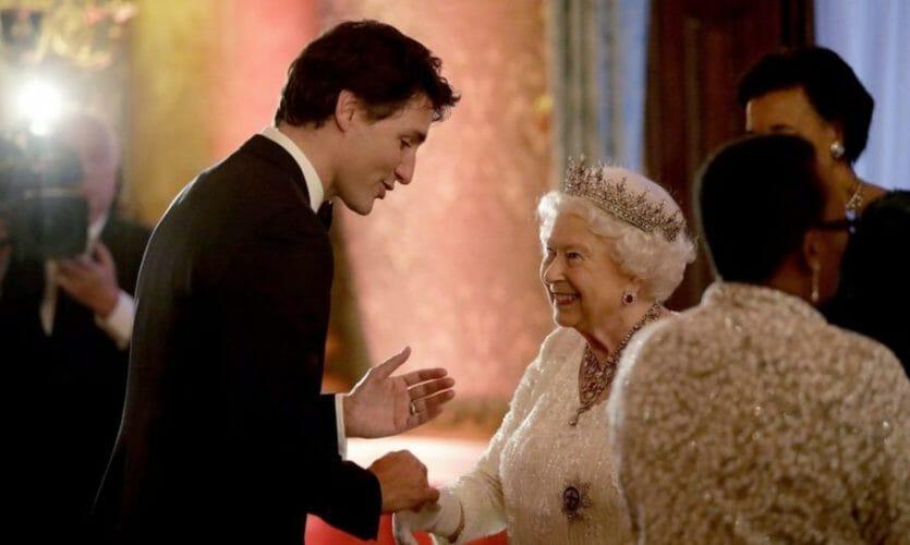 канада монархия