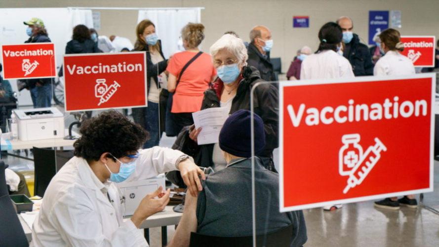 вакцинация в канаде апрель